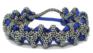 Komodo Claw and Tooth paracord Bracelet
